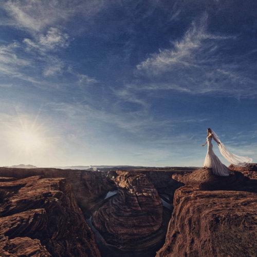 Bridal portrait taken in Horseshoe Bend, Arizona