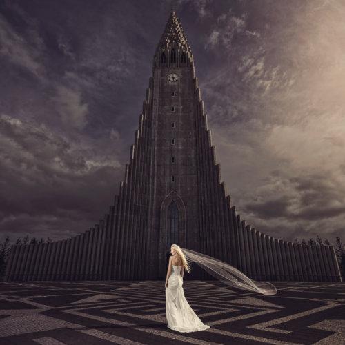 Bridal portrait in Iceland
